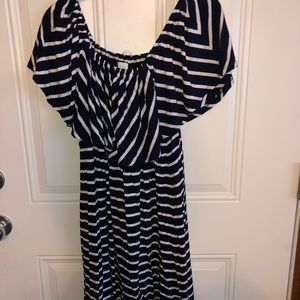 Charming Charlie's XL navy / white dress